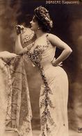 ARLETTE DORGÈRE ( CAPUCINES ) - CARTE VRAIE PHOTO / REAL PHOTO POSTCARD - ANNÉE / YEAR ~ 1905 - '907 (ae197) - Artistes