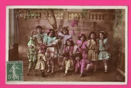 CPA (Réf: Z 3013) (JEUX ET JOUETS) POUPÉE Petites Filles Et Leur Poupée - Jeux Et Jouets