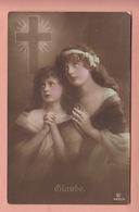 OLD PHOTO POSTCARD - CHILDREN - GIRL -  PRAYING - FAMOUS MODEL - Portraits