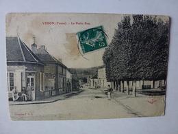 CPA, VERON, LA PETITE RUE, VOIR SCAN - Veron