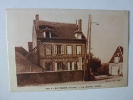 CPA, ROUSSON, LA MAIRIE, L'ECOLE, VOIR SCAN - France