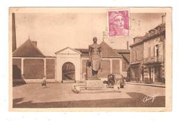 CPA 03 COMMENTRY Place Martenot & Entrée De L'Usine Monument Voiture Maisons - Commentry