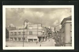 AK Dvur Kralove Nad Labem, Strassenpartie Mit Gebäudeansicht - Czech Republic