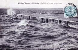 17 - Charente Maritime - ILE D OLERON - Saint Denis - Le Jetée Du Port Par Un Gros Temps - 1905 - Ile D'Oléron