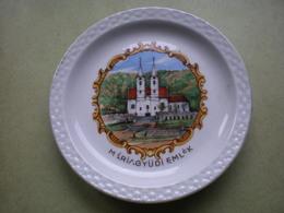 Mariagyudi Emlek A Small Decorative Plate Zsolnay Pecs Hungary - Zsolnay (HUN)