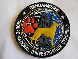ECUSSON PVC GENDARMERIE NATIONALE LE GNIC CYNOPHILE CHIEN EXCELLENT SUR VELCROS - Police & Gendarmerie