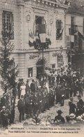 ARNAY-le-DUC (21). Grandes Fêtes Des 14-15-16 Septembre 1912. Place Sadi-Carnot. Les Vétérans Attendant La Remise Des - Arnay Le Duc