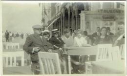 Foto/ Photo.  Blankenberge 1929. Digue. Terrasse Animée D'une Taverne. - Lieux