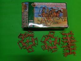 Figurines1/72 DARK ALLIANCE ALL 72021 Mounted Amazons - Figurines