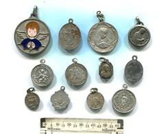 Lot De 12 Médailles Religieuses - Non Classificati