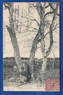 BRIENNE-LE-CHATEAU    La Fontaine         écrite En 1906    Petite Déchirure A Droite - France