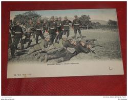 MILITARIA - Deutsche  Armee  - Armée Allemande - Uniformen