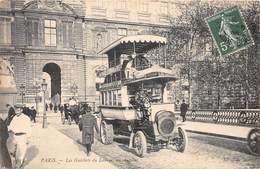 75001-PARIS-LES GUICHETS DU LOUVRE, UN AUTOBUS - Arrondissement: 01