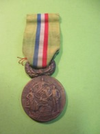 Médaille Française Ancienne/Epargne Mutualité/La France Prévoyante à Ses Collaborateurs /Bronze/Vers 1900-1910.   MED323 - France