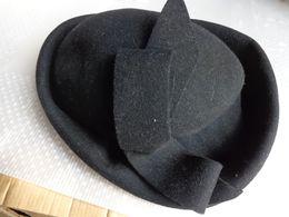 Chapeau Noir En Feutre - Vintage Clothes & Linen
