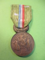 Médaille Française Ancienne/Epargne Mutualité/La France Prévoyante à Ses Collaborateurs /Vers 1900-1910         MED324 - France