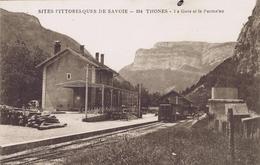 74 - Thônes (Haute-Savoie) - La Gare Et Le Parmelan - Thônes