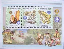 Niger 2002  Mushrooms   S/S     MNH - Pilze