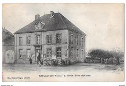MARCILLY - La Mairie - Sortie Des Classes - Frankrijk