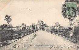 Cambodge - Souvenir Des Ruines D'Angkor 4 - Ed. Planté 135. - Cambodge