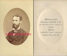 CDV Par Etienne Carjat-portrait D'homme, Légèrement Embossé En Médaillon-Paris - Old (before 1900)