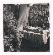 Photo Mortuaire C1930 - Bébé - Post-mortem - Défunt - Voir Scan - Personnes Anonymes