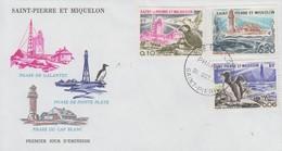 Enveloppe   FDC  1er  Jour   SAINT  PIERRE  ET  MIQUELON   Phares    1975 - Fari