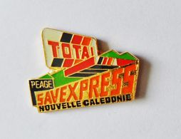 Pin's TOTAL Nouvelle Caledonie Savexpress - 49R - Badges