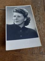 """OLGA - JUNGE DAME MIT BETOERENDER DAUERWELLE - ASTONISHING PERM - """"DENKE OFT UND GERNE AN MICH"""" - WIEN - 1949 - Engel"""
