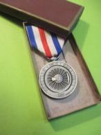 Médaille Des CHEMINOTS/ RF / Ch FAVRE-BERTIN / V Grandidier / 1941    MED336 - France