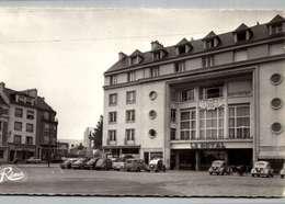 56 - Lorient - Hotel Le Royal - Circulé - Vieilles Voitures - Renault 4 CV   //LOT  4006 - Lorient