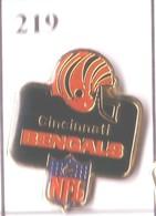 A219 Pin's Football Américain Base-ball  équipe CINCINNATI Baseball Usa Achat Immédiat Immédiat - Baseball