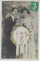 L100F129 - Bonne Année - Souhaits Sincères Sur Banderolles Tenues Par Un Couple - Croissant N°3747 - Nouvel An