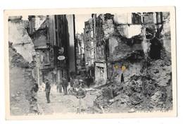 SAINT MALO (35) Photographie Format CPA Bombardements 1944 Rue Ruines Animation - Saint Malo