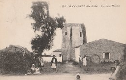 ILE DE RE (17). LA COUARDE. Un Vieux Moulin. Jardin Animé - Ile De Ré