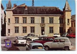 Nerac En Albret. Hotel De Ville. Voiture Automobile. Peugeot Renault 4L - Nerac