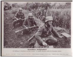 Dt- Reich (007794) Propagandasammelbild, Bilderdienst Weber Leipzig, Grenadiere, Fertigmachen! - Duitsland