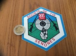 AUTOCOLLANT, Sticker «SOCIETE DE TIR - SENONES (88) » (blason, Carabine , Revolver) - Aufkleber