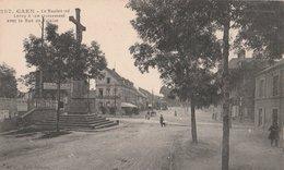 CAEN (14). Le Boulevard Leroy à Son Croisement Avec La Rue De La Falaise. Calvaire - Caen