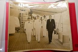 1951 , Superbe Photo  25.5X20.5 Cm , Amiral Américain, Jean Médecin Maire De Nice Et Georges Hutin, Préfet Du 06 - Non Classés