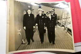 23 Avril1951 ,photo Originale U.S NAVY  , Amiral Américain, Jean Médecin Maire De Nice Et Georges Hutin, Préfet - Nizza