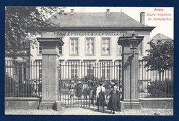 Arlon. Ecole Moyenne Des Demoiselles ( Toutes Portaient Un Chapeau).  1920 - Arlon