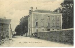 Cpa 19 USSEL - La Sous-préfecture - Ussel