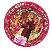 ETIQUETTE De FROMAGE..CAMEMBERT Fabriqué En NORMANDIE..Le Moine..Sté Lait. FERMIERS NORMANDS à L'Abbaye AUNAY S/ ODON 14 - Cheese