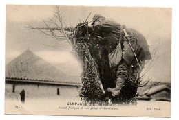 Guerre 1914-18 / Soldat Français à Son Poste D'observation (perché Sur Une Trogne). - Guerres - Autres
