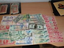 LOT - 88 DOLLARS - TRINIDAD CARIBBEAN BAHAMAS USA BERMUDA BARBADOS - Münzen & Banknoten