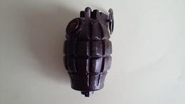 Grenade à Main Défensive Britannique Mills N° 23 MKI - Armes Neutralisées