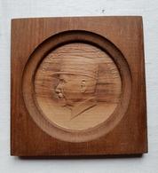 Profil Du Maréchal Pétain En Bois Sculpté - 1939-45
