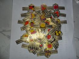 Willem II 1967 Fleurs (47 Bagues) - Bagues De Cigares