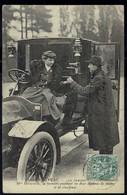75 - PARIS Nouveau - Les Femmes Chauffeurs - Mme Decourcelle La Première Possèdant Ses Deux Diplômes De Cochère Et De Ch - Artisanry In Paris